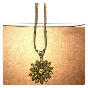 Jewelry - Green leaf necklace